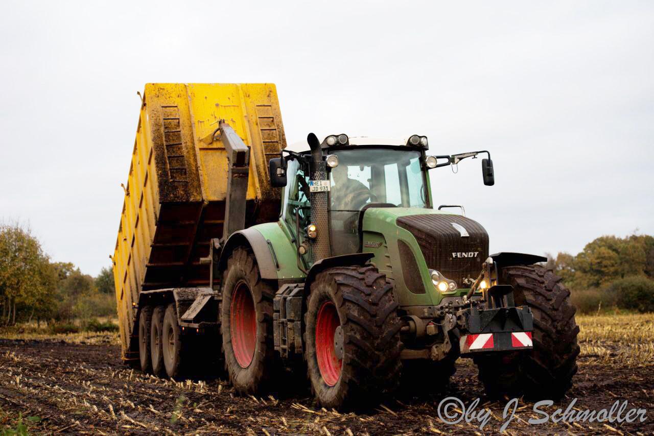 Hakenwagen für Containertransporte, z.B. Mais- oder Getreideabfuhr  Lohnunternehmen Beckmann Bargenstedt
